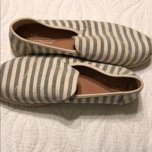 Cute! Navy stripe Toms.